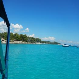 Half day speedboat tour to Blue Lagoon & Šolta Island