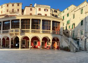 Sibenik-buildings-and-center
