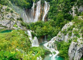 Big-waterfalls-Plitvice-Lake