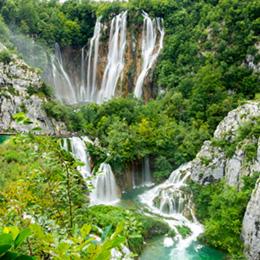Day tour to Plitvice Lakes